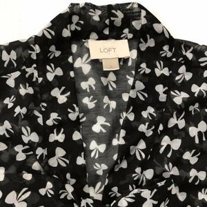 Ann Taylor LOFT Sheer Tie Neck Black Pussy Bow Graphic Sleeveless Blouse Small
